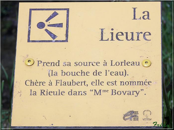 Lyons la Forêt : La Fontaineresse 20080512_049