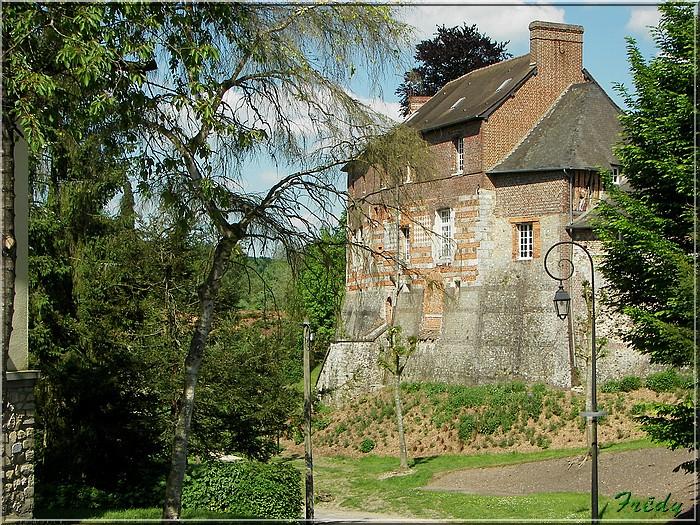 Lyons la Forêt : La Fontaineresse 20080512_074