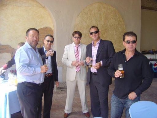 Modales para Nacos 101 Mafia
