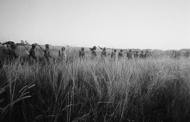 guerre de 1971 1971-Paksoldiersonpatrol2
