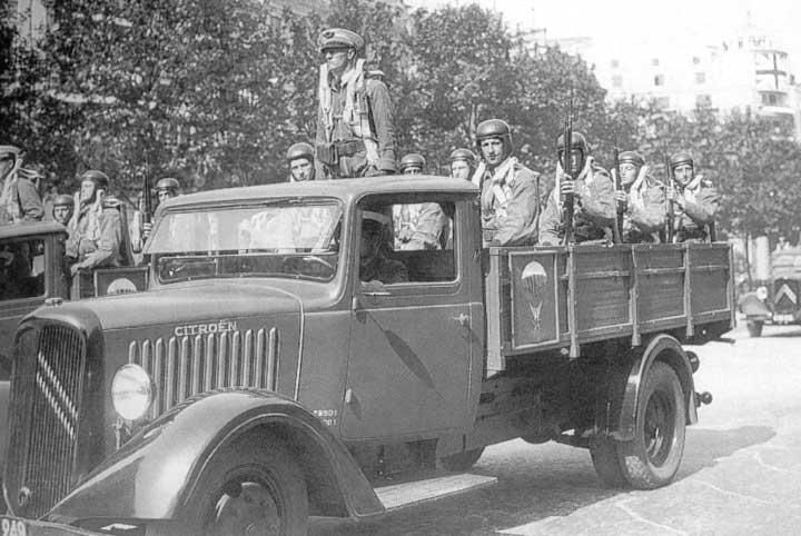 [BJF77] P32 1935 ex-gendarmerie - Page 6 Citroen_32_truck
