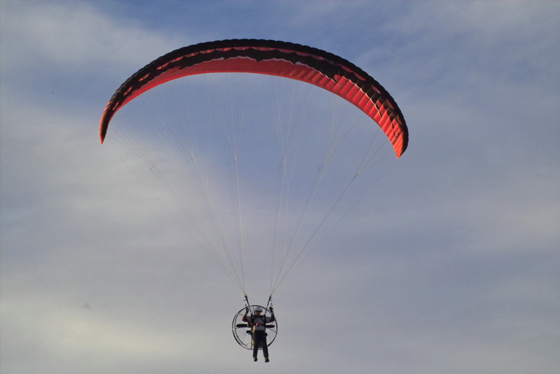 "Парапланы и запасные парашюты Ю-Турн, ботинки для пара-треккинга ""AirStyle"" IMG01352"