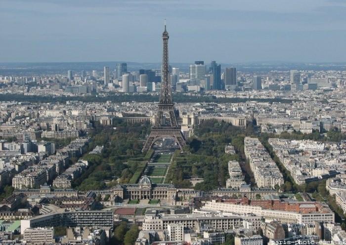 España magazine Paris-eiffel-tower