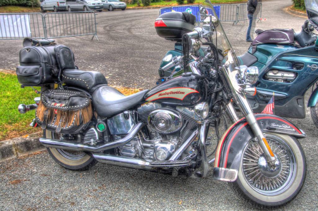 CR & Photos : TSO 23-24/05/2015 : Durfort (81) , Expo. Autos / Motos Harley US + Concerts  Durfort%2010