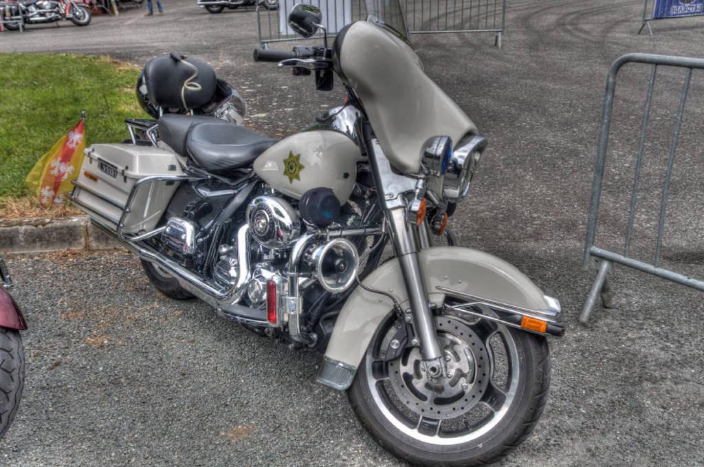 CR & Photos : TSO 23-24/05/2015 : Durfort (81) , Expo. Autos / Motos Harley US + Concerts  Durfort%2019