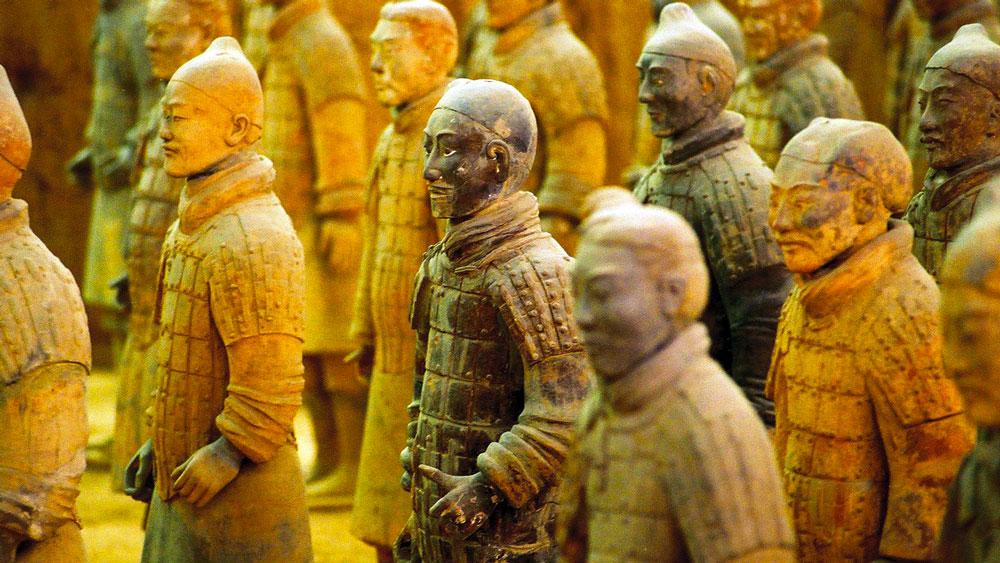 Emporté par la foule qui me traîne, qui m'entraine Fake_terracotta_warriors_mausoleum_Qin_Shi_Huang_12