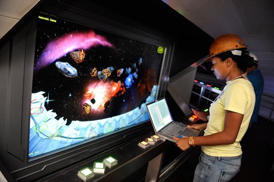 [Magic Kingdom] Space Mountain réouvert le 21 novembre 2009 ! - Page 2 Space2SMALL