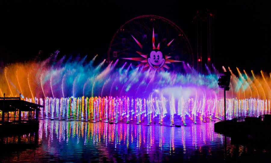 [Disney California Adventure] Le show nocturne World of Color (11 juin 2010) - Page 2 Woc410008LARGE