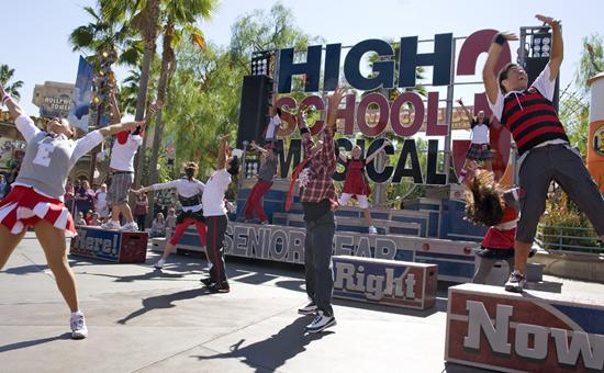 [Disney's Hollywood Studios & Disney California Adventure] Disney Channel Rocks! (octobre 2010) Asn065798SMALL