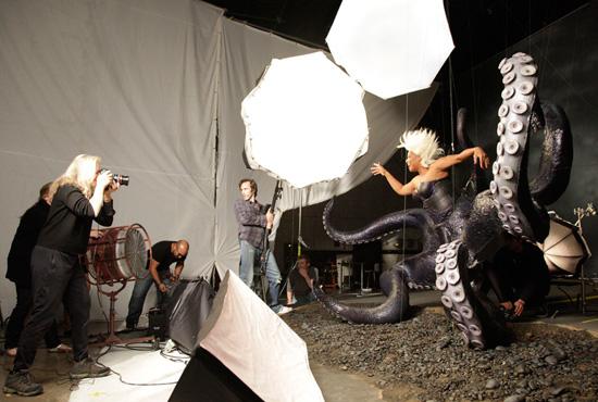 Les stars posent pour Annie Leibovitz pour les campagnes marketing Disney - Page 2 Ddp028912SMALL
