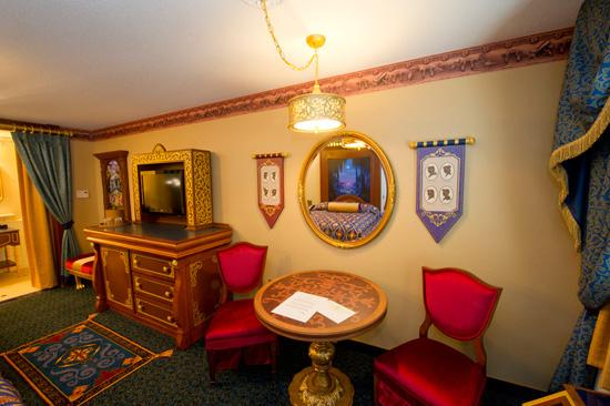 [WDW] Nouvelles chambres d'hôtel sur le thème Haunted Mansion, Pirates, Princesses et Bien-Être - Page 2 Rrd110292SMALL