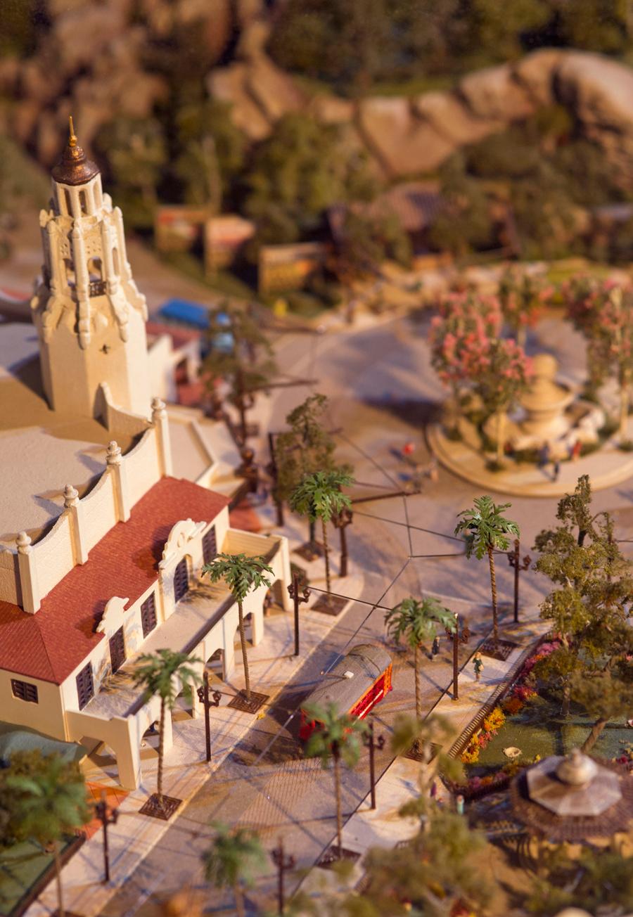 [Disney California Adventure] Placemaking: Pixar Pier, Buena Vista Street, Hollywood Land, Condor Flats - Page 16 4ndm123234LARGE