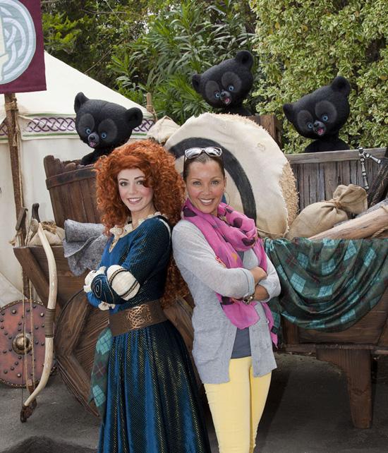 Merida, la nouvelle héroïne Pixar débarque dans les parcs Disney ! - Page 2 Vwm346890SMALL