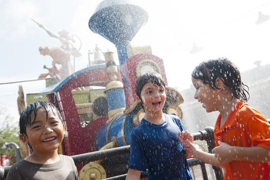 [Magic Kingdom] New Fantasyland - Storybook Circus (mars 2012) - Page 2 Cjd983406SMALL