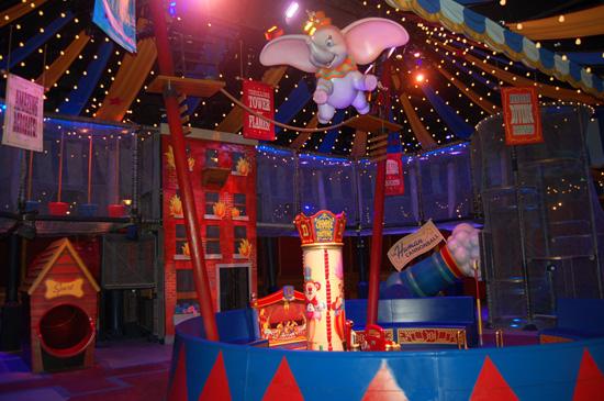 [Magic Kingdom] New Fantasyland - Storybook Circus (mars 2012) - Page 2 Dum118943SMALL