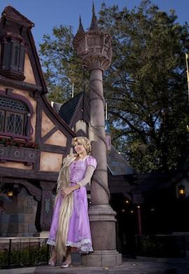 [Disneyland Park] Nouveautés à Fantasyland: Fantasy Faire (12 mars 2013) et Mickey and the Magical Map (25 mai 2013) - Page 3 RAP906845Thumb