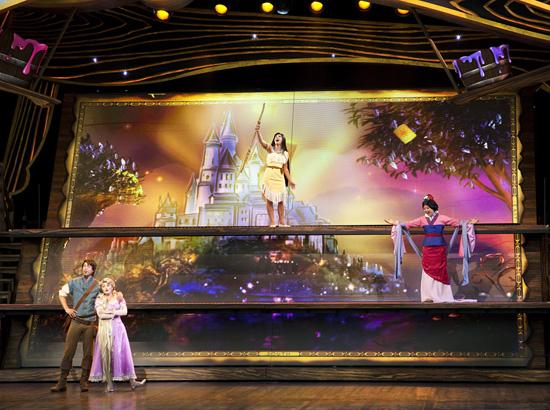 [Disneyland Park] Nouveautés à Fantasyland: Fantasy Faire (12 mars 2013) et Mickey and the Magical Map (25 mai 2013) - Page 5 Flm398015SMALL