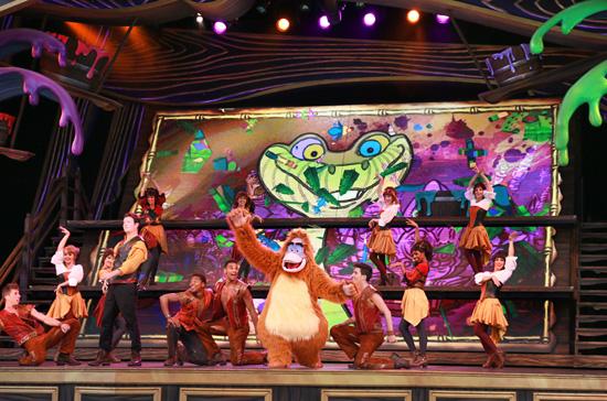 [Disneyland Park] Nouveautés à Fantasyland: Fantasy Faire (12 mars 2013) et Mickey and the Magical Map (25 mai 2013) - Page 5 Flm490813SMALL