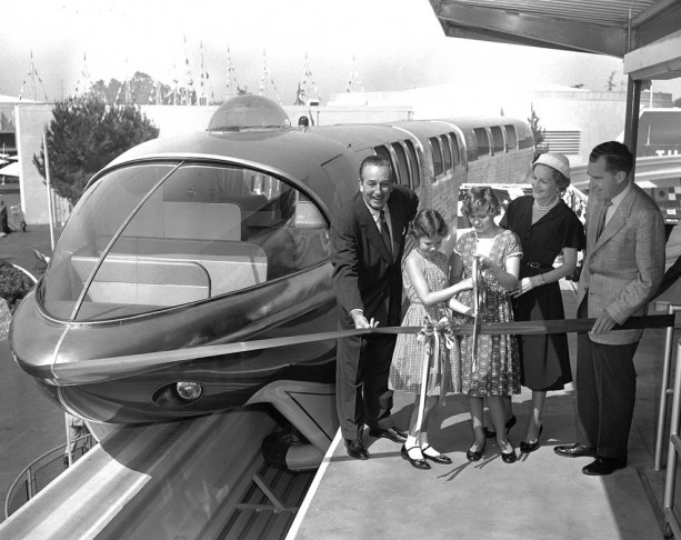 Disneyland: archives des années 50 15-DL59-613x486