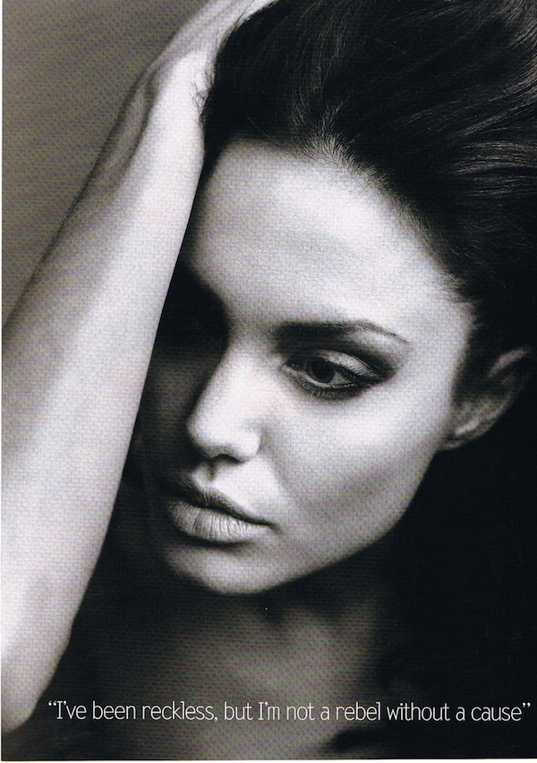 ჰოლივუდელი ლამაზმანები  Vogue-Annie-Leibovitz-Angelina-Jolie