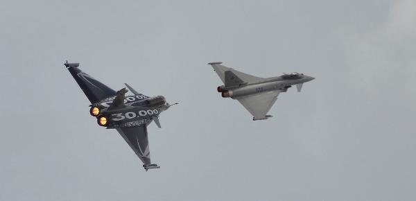 داسو تعلن... مصر سوف تتسلم 3 مقاتلات رافال بحلول الصيف القادم Rafale-typhoon