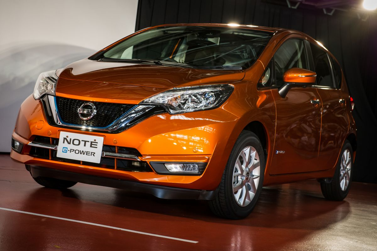 2016 - [Nissan] Note Facelift - Page 2 2017-Nissan-Note-production-started-3-1200x798
