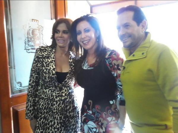 Лусия Мендес/Lucia Mendez 4 - Страница 30 A80UQLFCEAE21CP