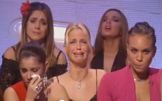 Diviértete con Girls Aloud (Fotos/Videos/Parodias) - Página 6 A8OBj3TCEAEJKCb