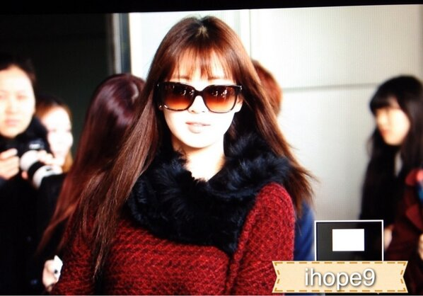 [PICS][UPDATE]Taetiseo @Gimpo Airport ngày 2/3 BEUoJNTCUAAPUZT
