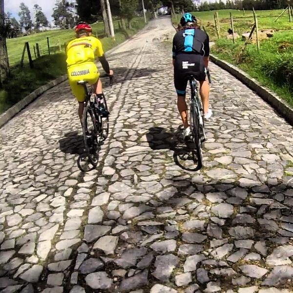 Pavé y Sterrato para pruebas de ruta en Colombia Ba0BjimCMAA221v