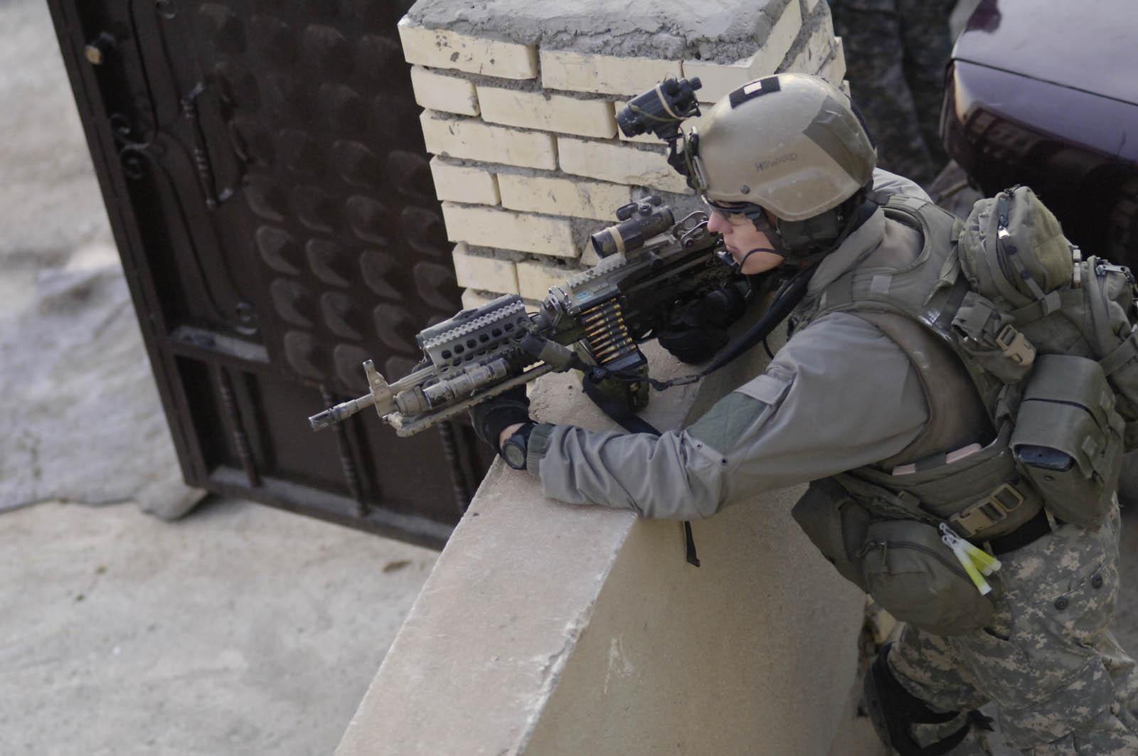 Índice de ropa técnica militar C0078587_23224579