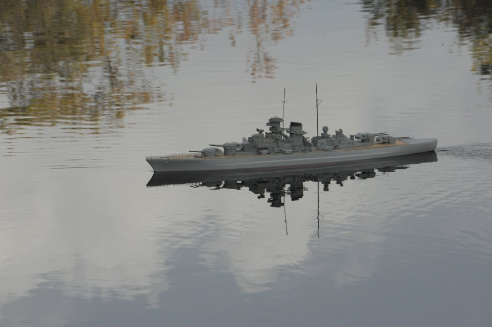Bismarck mutant devenu Tirpitz DSC_0955