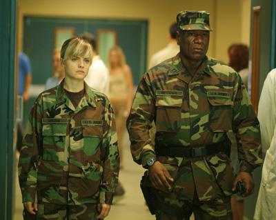 Critiques de films de zombies/contaminés - Page 11 Day_of_the_dead_2008_movie_image__2_