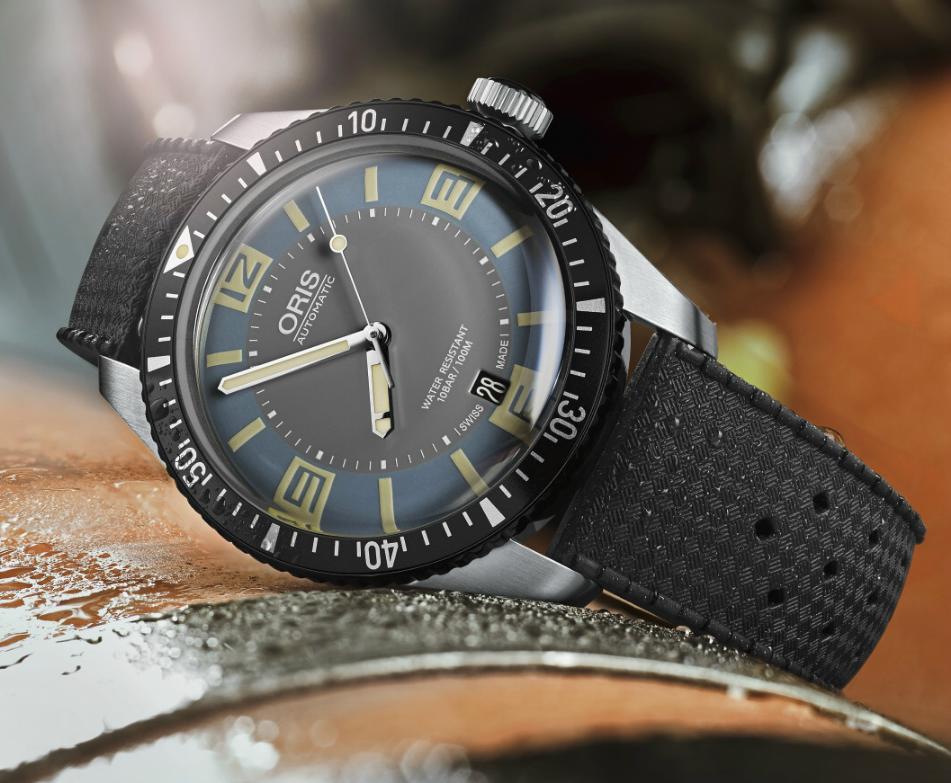 New Oris Divers Sixty-Five Deauville Blue  Orisdeau2