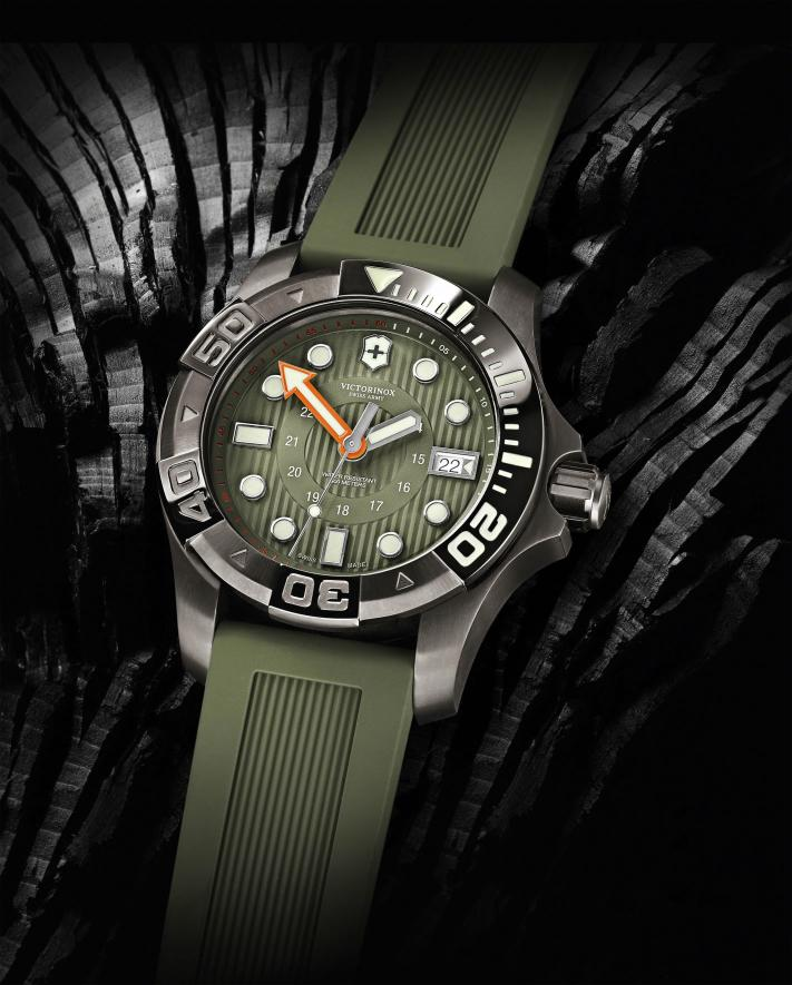 News: Victorinox Swiss Army Dive Master 500 38 et 43mm Vsadiver9