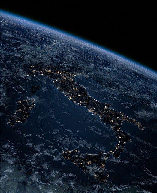 MERCOLEDÌ 21 SETTEMBRE - Pagina 6 Italia%20notturna