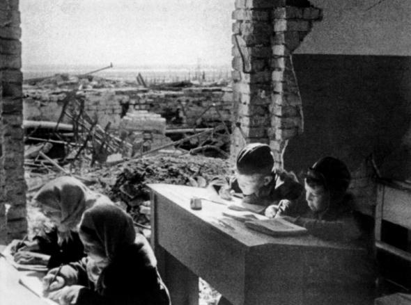 Сталинград: великая победа великой войны! 1329680547_detyiv-23