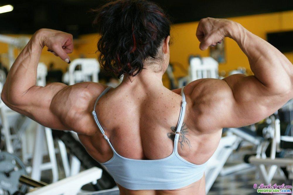 Зачем барышням мускулистое тело? - Страница 4 1301061910_alina-popa-zhenschina-kulturist-foto-7