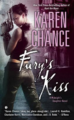 Dorina Basarab : Fury's kiss - Tome 3 de Karen Chance 12114440