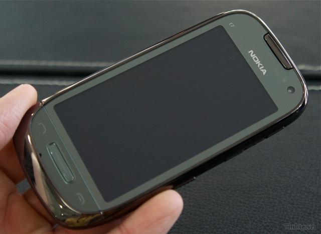Trên tay Nokia C7-00 chính hãng 97594ccf832c0a868_DSC01371