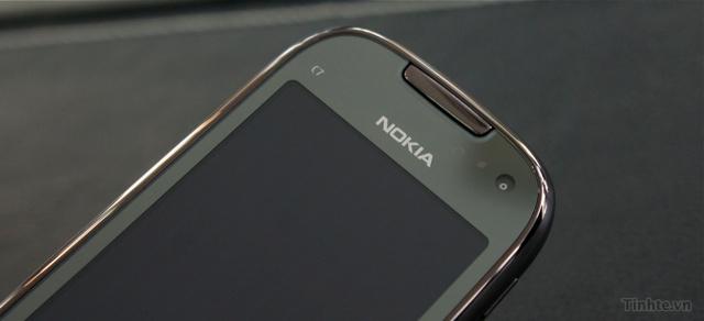 Trên tay Nokia C7-00 chính hãng 97594ccf832f1e078_DSC01373