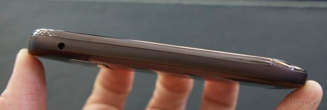 Trên tay Nokia C7-00 chính hãng 97594ccf833897032_DSC01377