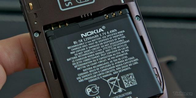 Trên tay Nokia C7-00 chính hãng 97594ccf835858e0f_DSC01394