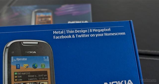 Trên tay Nokia C7-00 chính hãng 97594ccf83659c19b_DSC01399