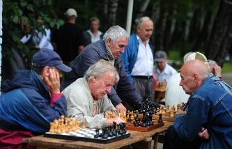 СМИ: Минфин РФ предлагает повысить пенсионный возраст уже с 2016 года 4045835