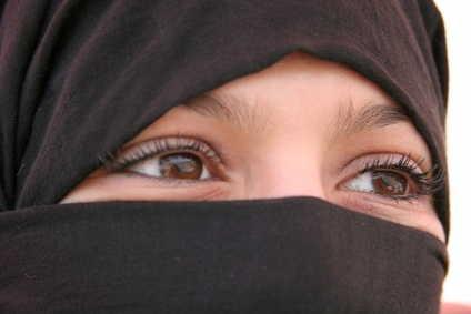 Veshjet e grave myslimane në vende të ndryshme! Verschleiert2