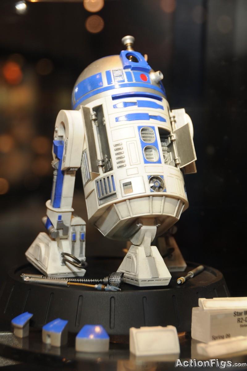 R2-D2 Statue - Page 5 DSC_9387