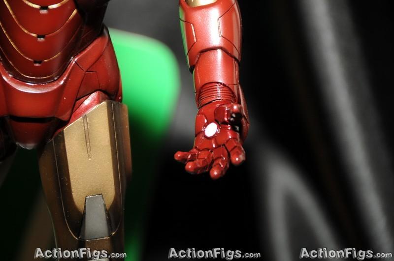 [Kotobukiya][Toy Fair 2010] Iron Man 2: Mark 6 TOY_4908_resize