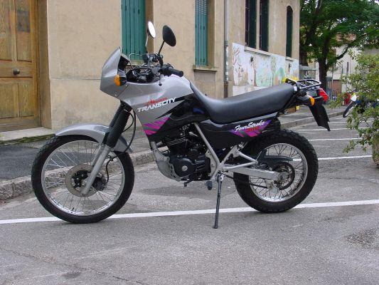 Une motarde parmi vous (HONDA 125 XLR 95  ) Normal_DSC04094