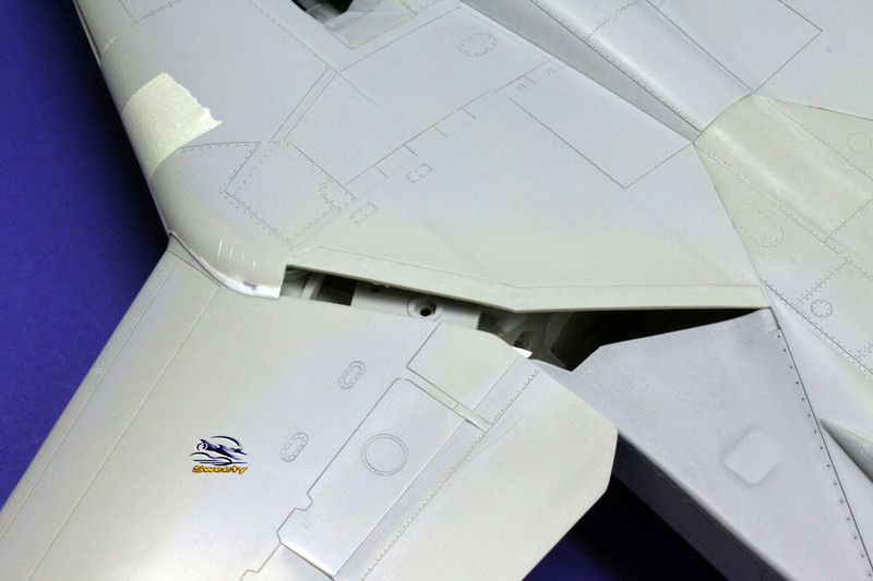 F-14A 1:32 Armement - Page 31 Aile%20069